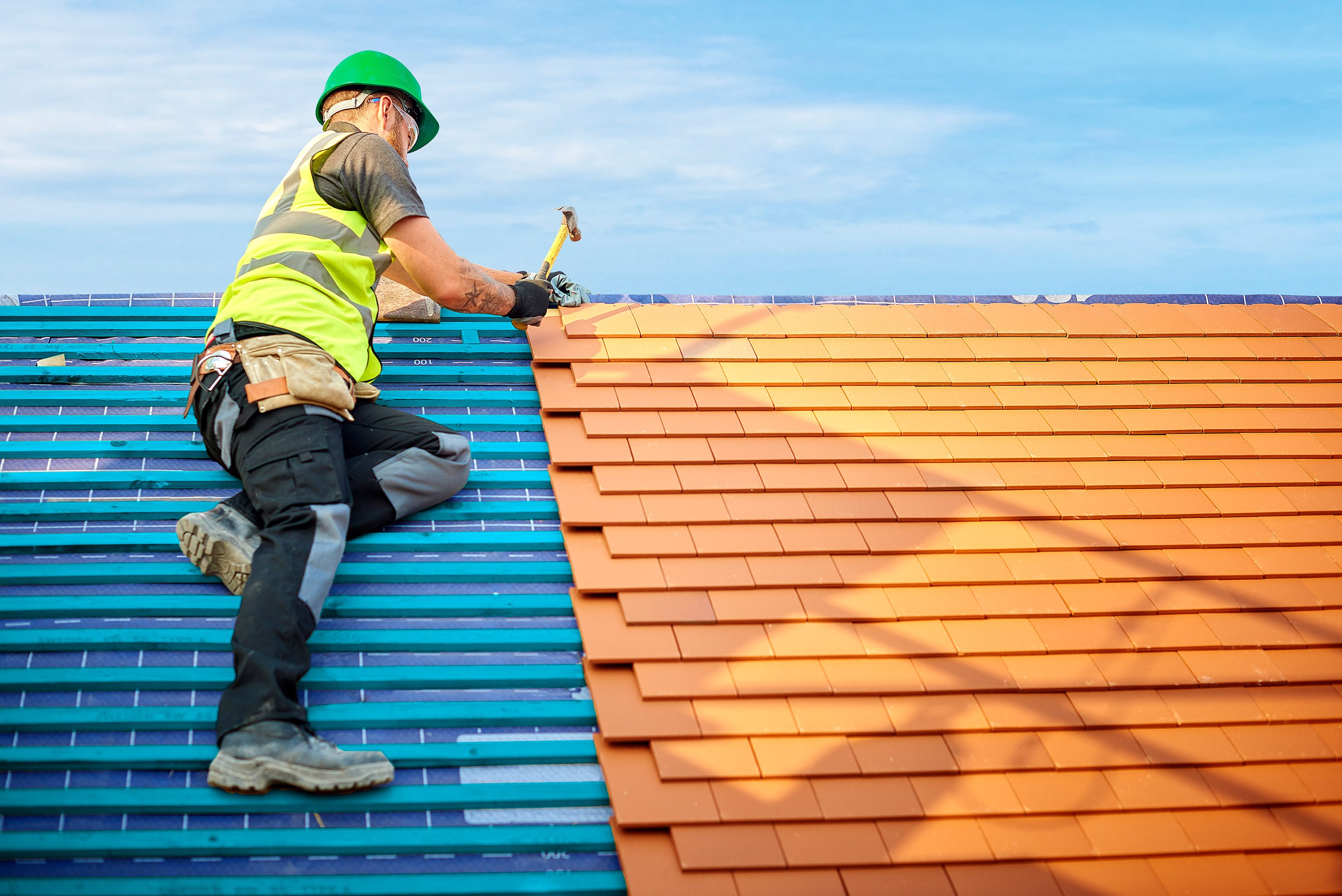 Warning Signs! You Should Hire a Professional Roofer: