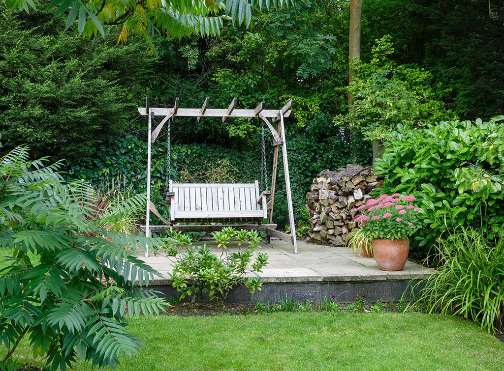 Stone raised patio