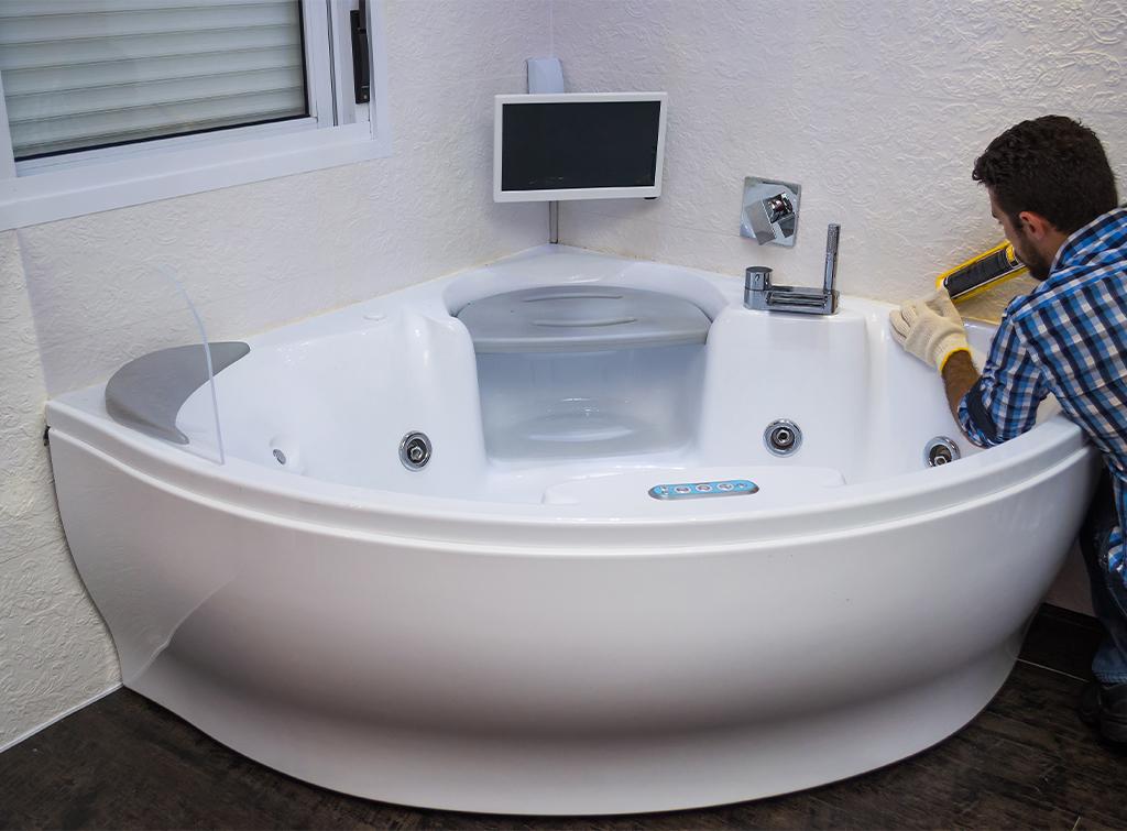 hot tub maintenance cost