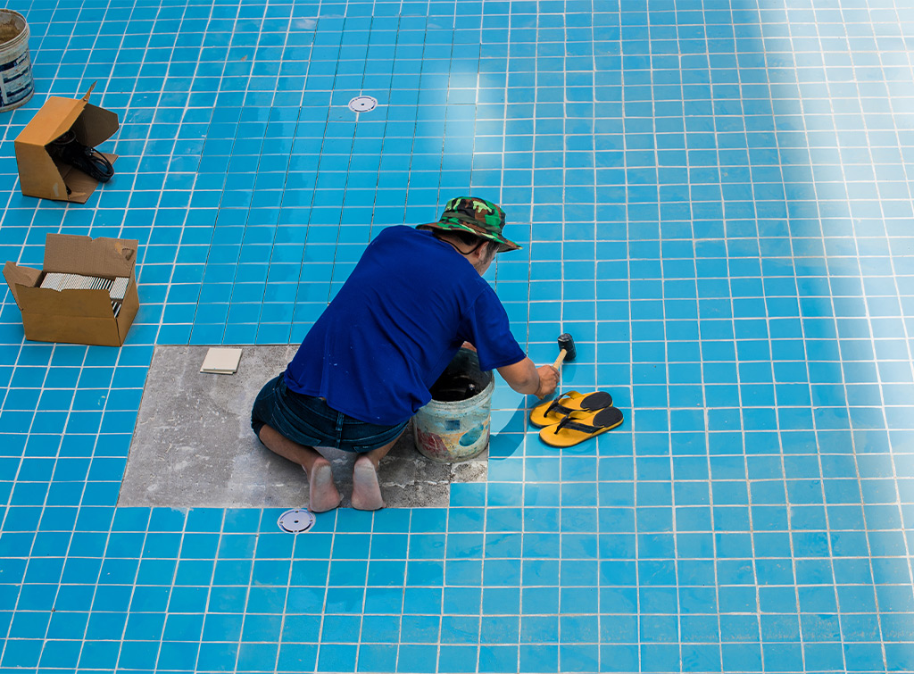 Build a swimming pool - Tiling the pool