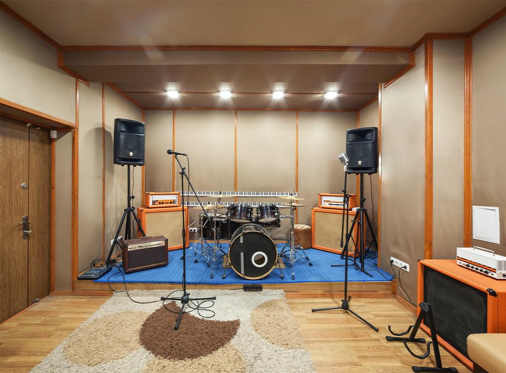 Garden man cave studio