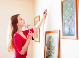 Hanging a picture on a wall