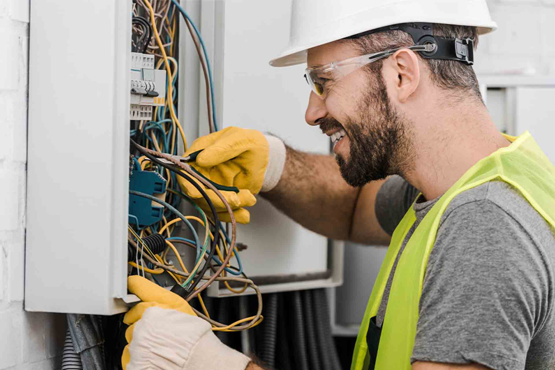 Electrician Hourly Rates Guide | Checkatrade Blog