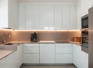 u-shaped kitchen cupboards