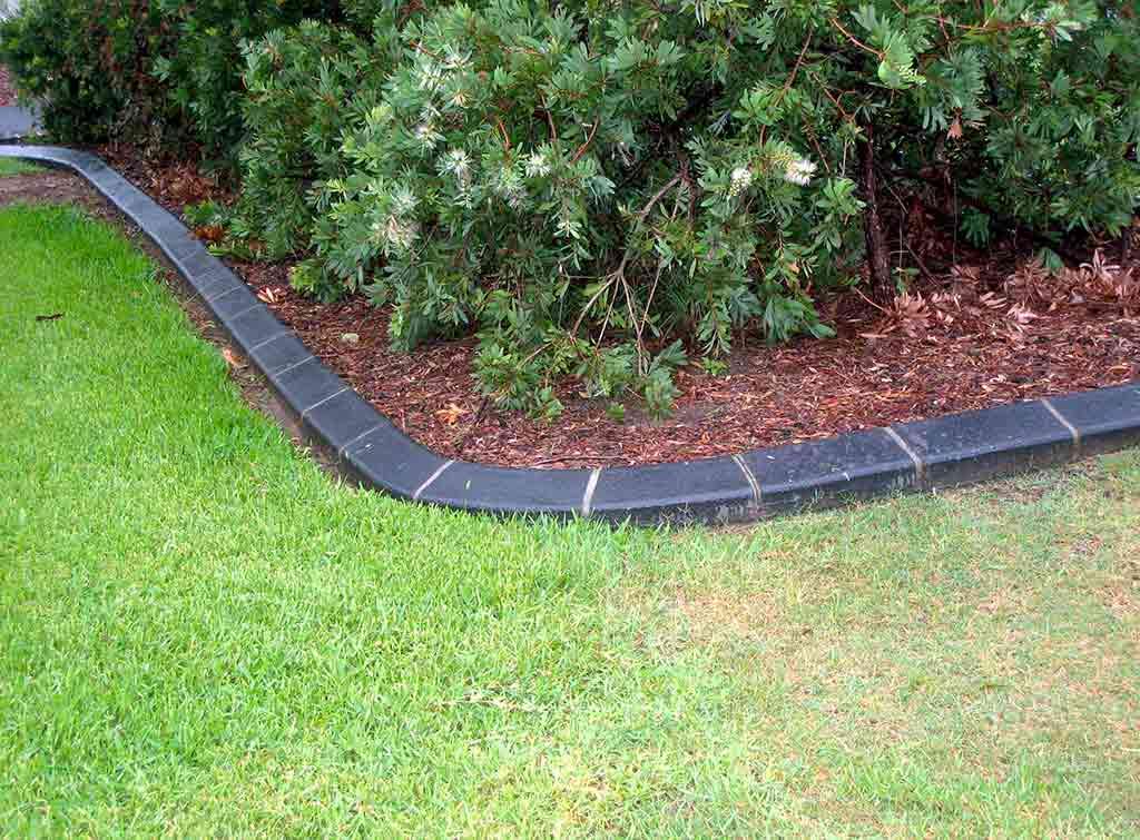 Concrete lawn edging cost