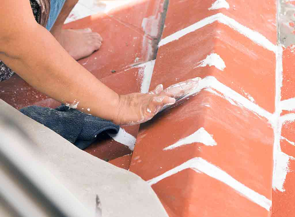 Repairing and replacing ridge tiles cost