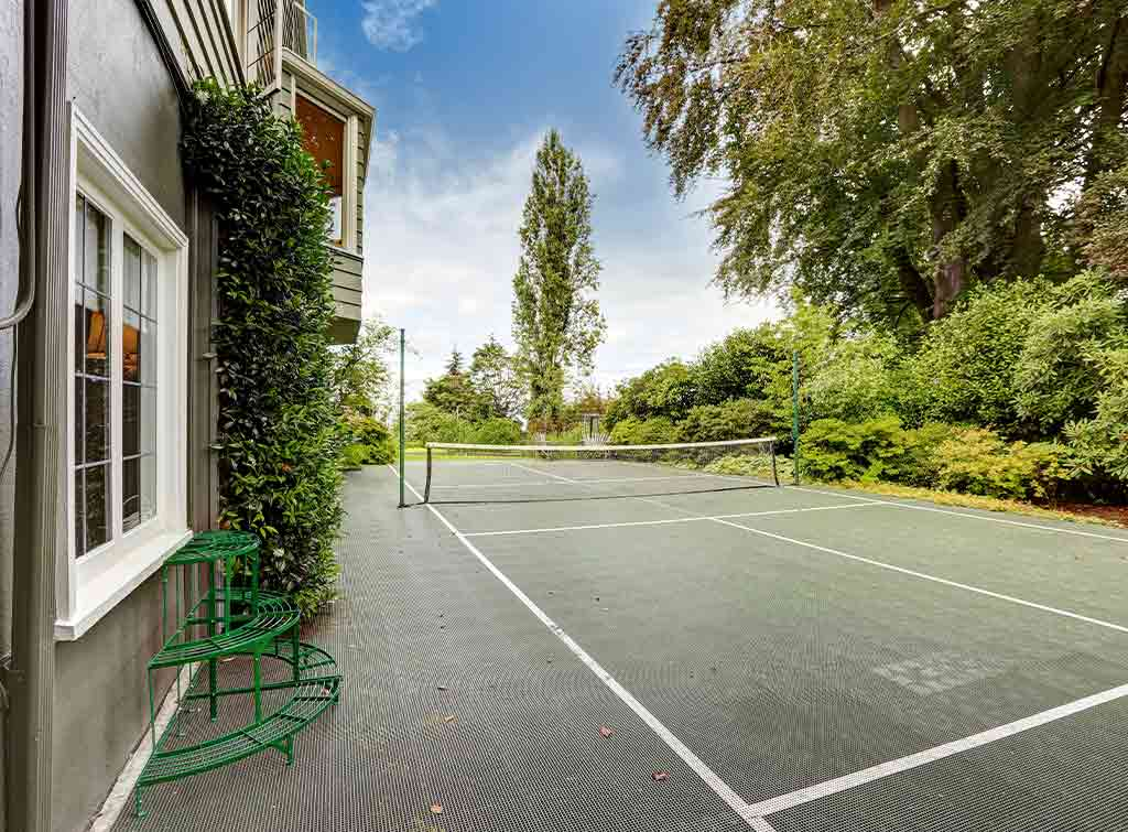 Average cost of tennis court installation
