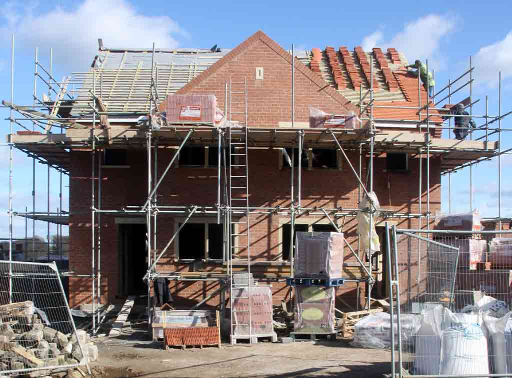 Ways to cut cost when building a home