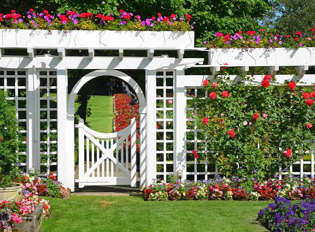 Garden fence for screening