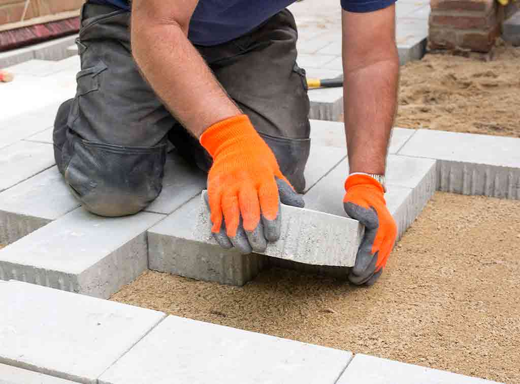 Laying paving stones for patio