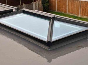Roof lantern blinds installation