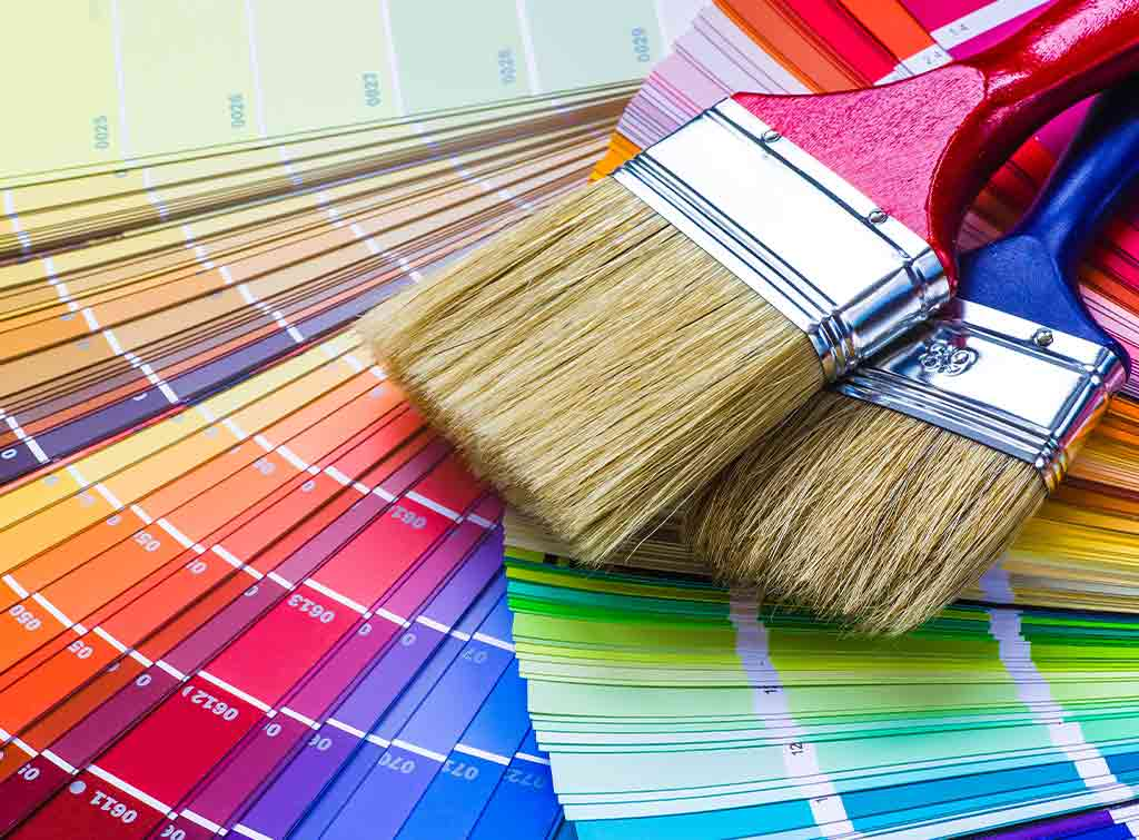 Paint a ceiling with a brush